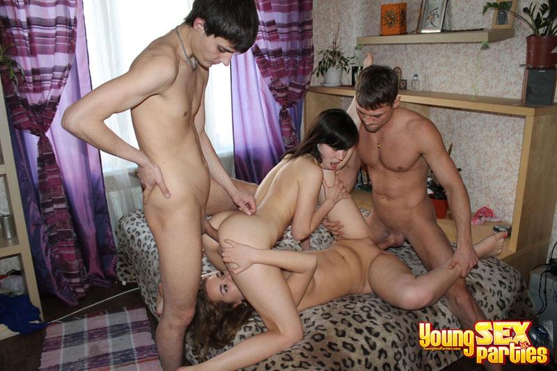 Фото секс студентки в общаге фото 405-312