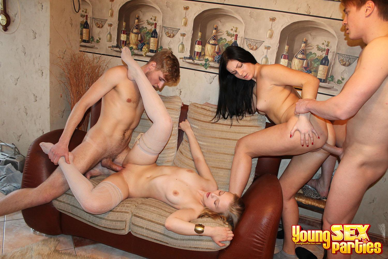 Русское горячее порно молоди людей